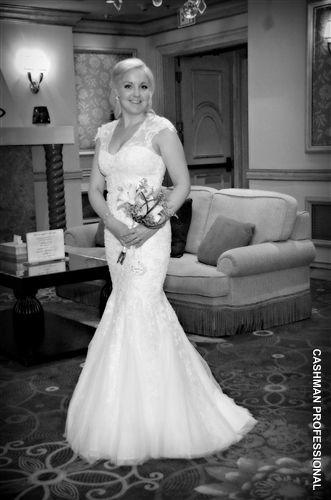 Stunning ivory wedding dress