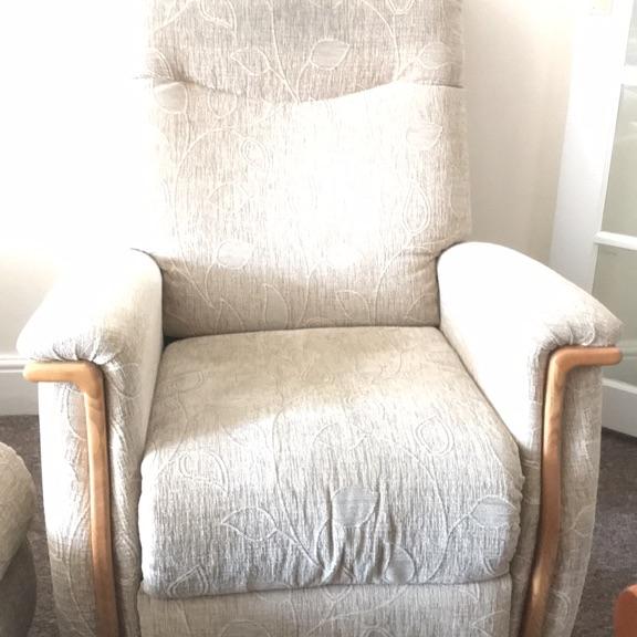 Single sofa and settee