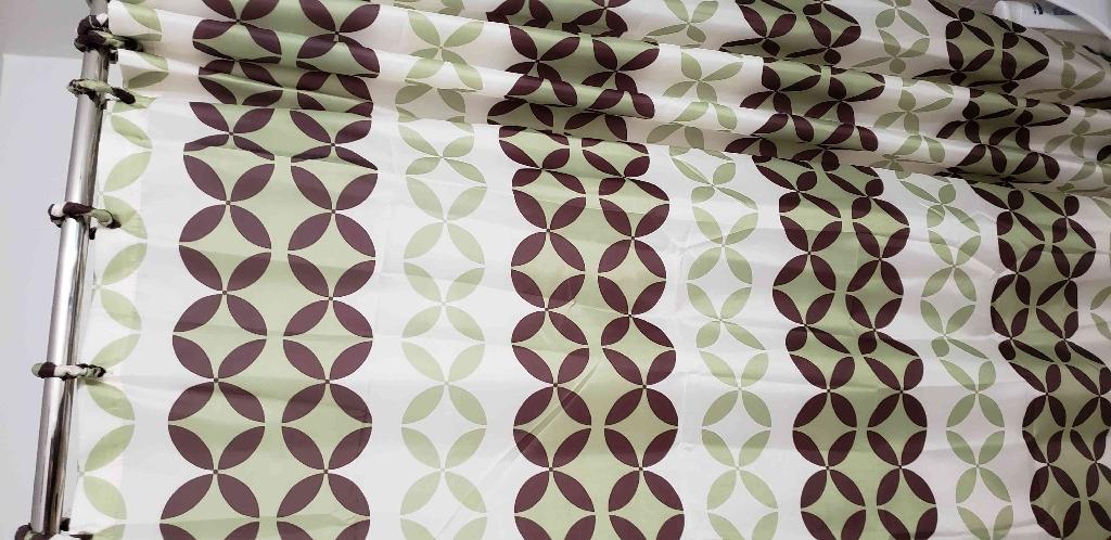 Bathroom curtain with rugs