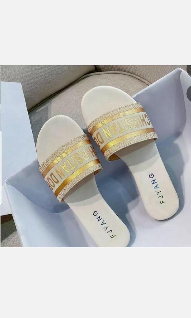 Fashion Women's sandals  7, .7.5 , 8