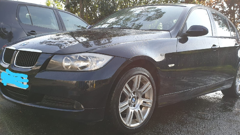 BMW 3 series 4 door saloon 2008