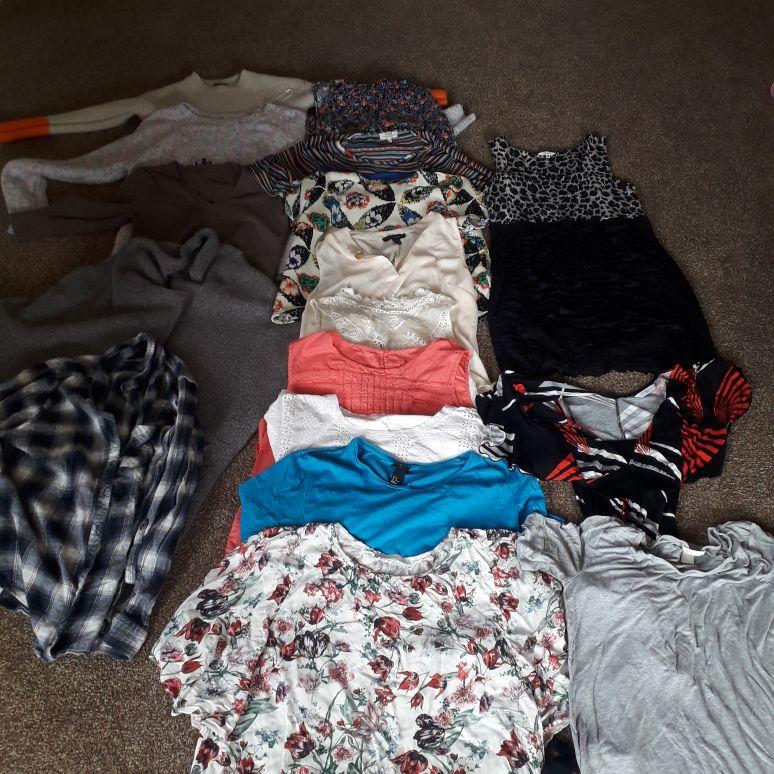 Ladys bundle. 17 items