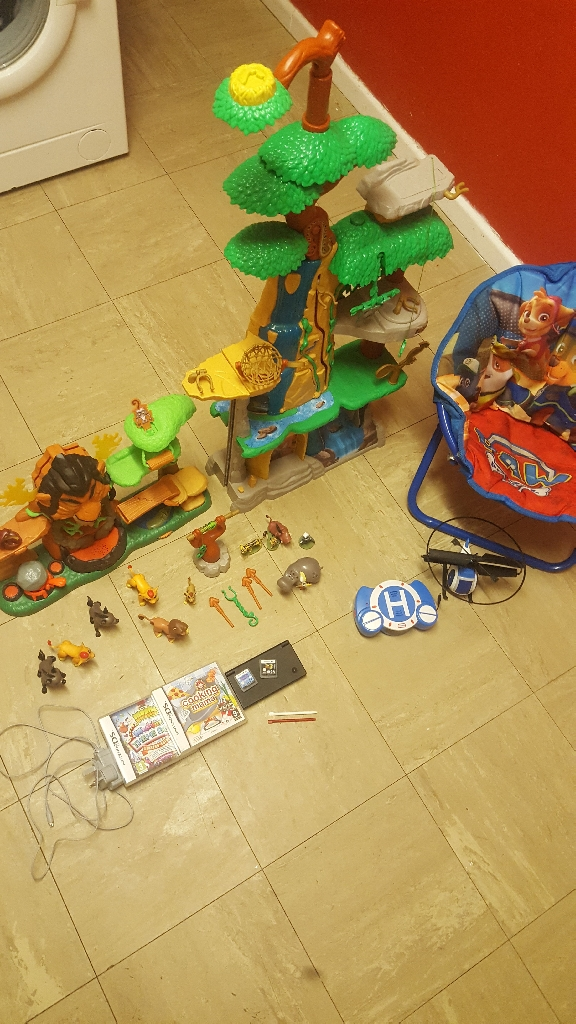 Lion guard toys, dsi, paw patrol toys and ps4 games