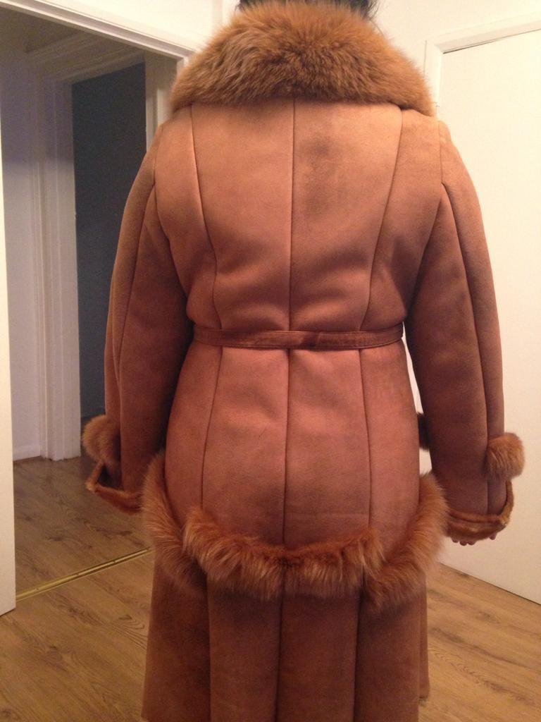 Sheepskin with real fox fur collar