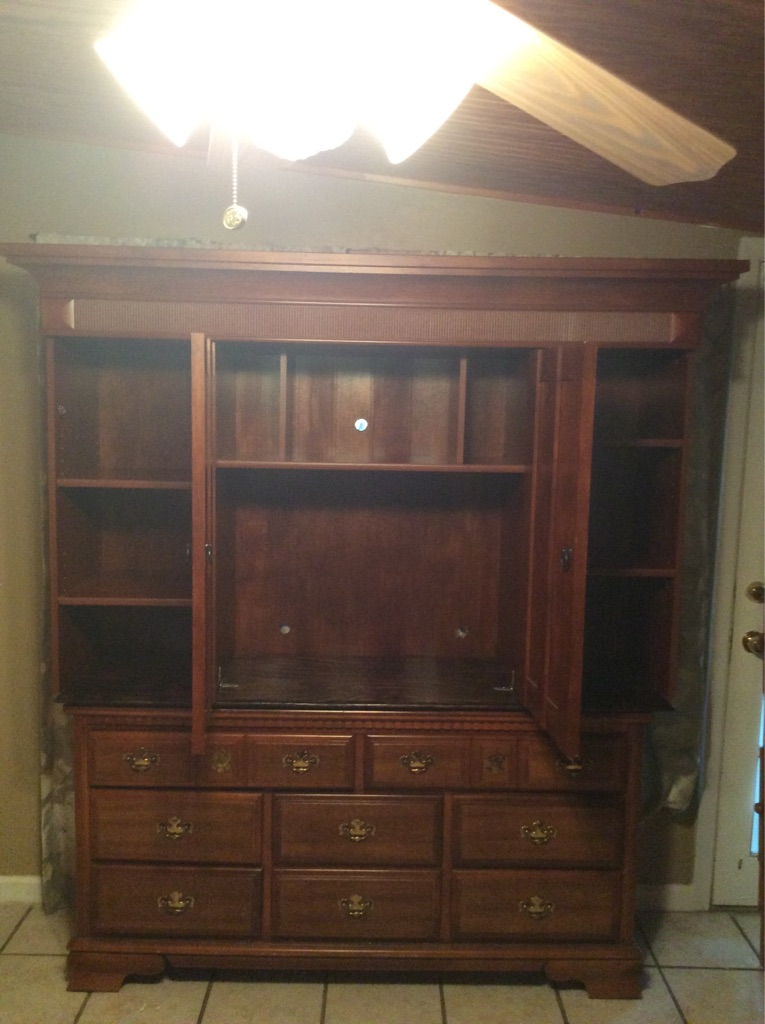 Dresser with removable cabinet top