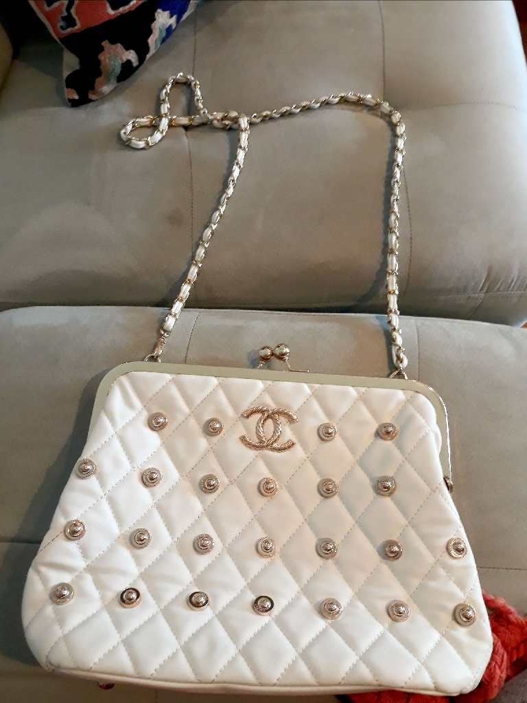 White chanel crossbody bag