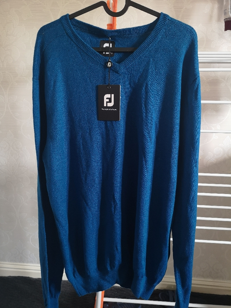 FJ men's sweater