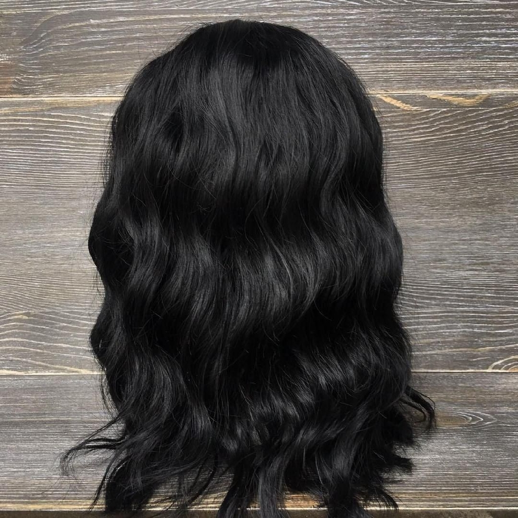 Synthetic hair jet black wavy wig