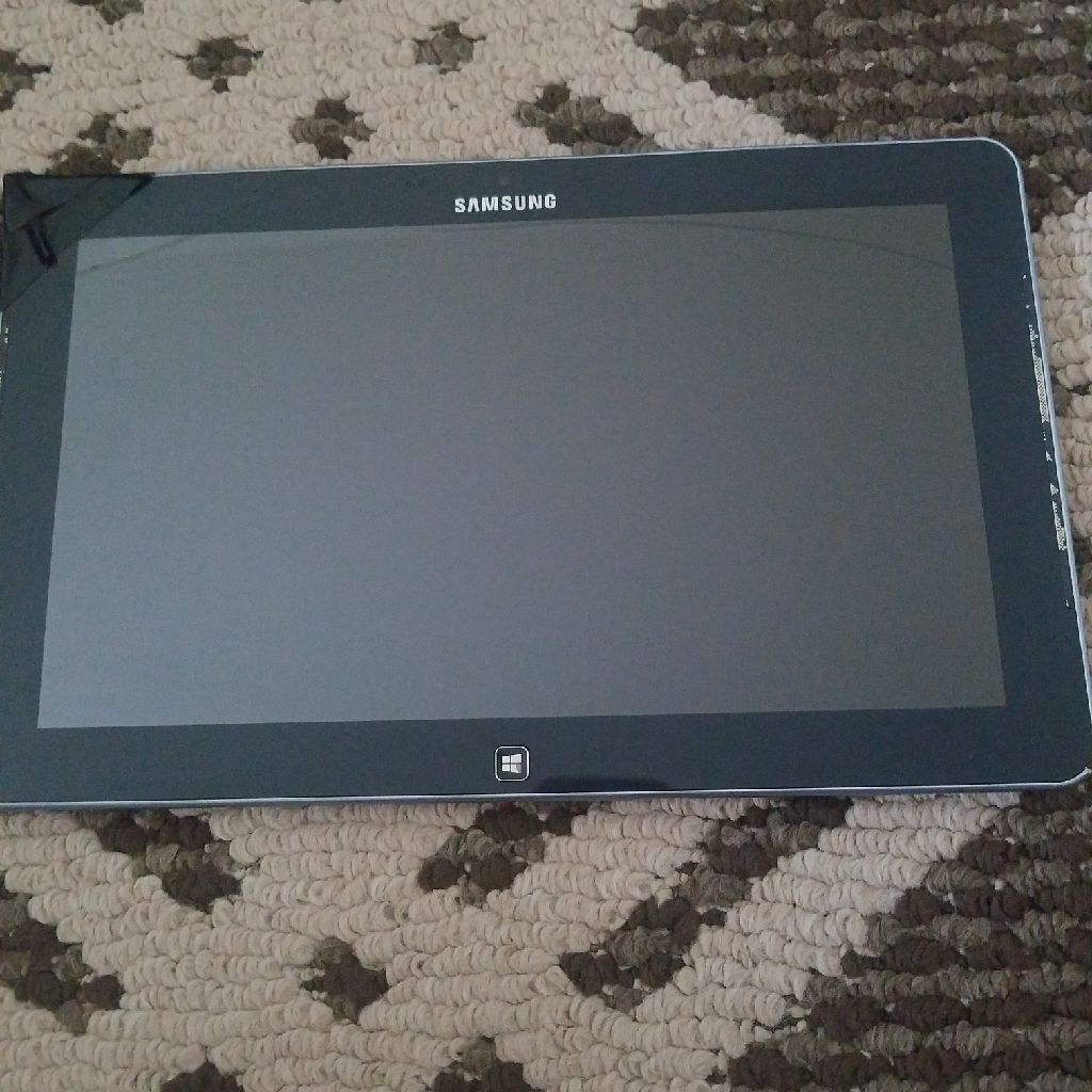 Samsung tablet with charger