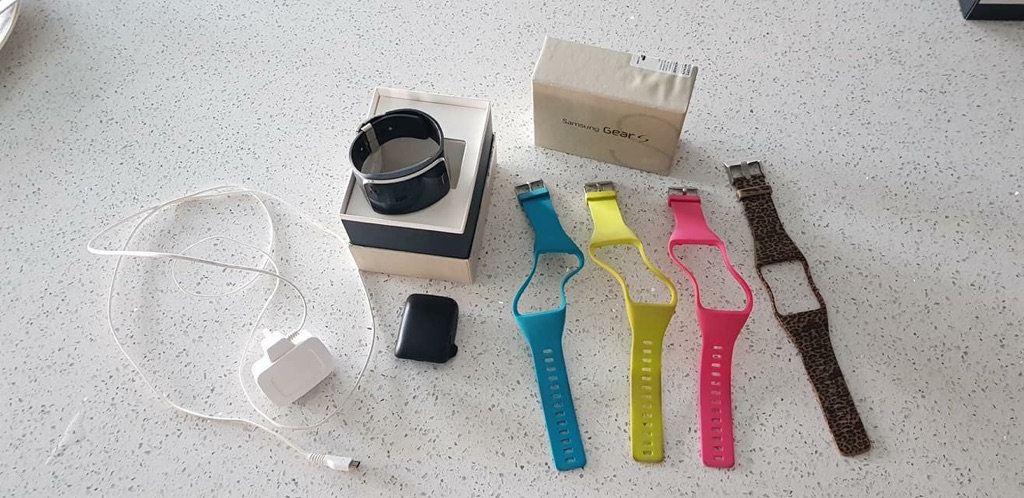 Samsung Gear S - (Pre owned) Collection Only