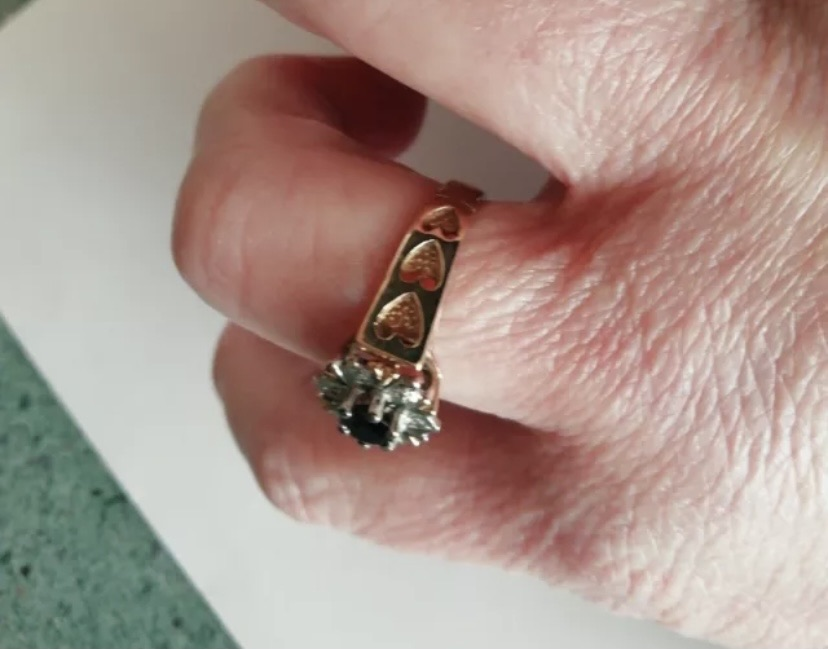 9ct Gold Diamond Ring Size T (Medium)