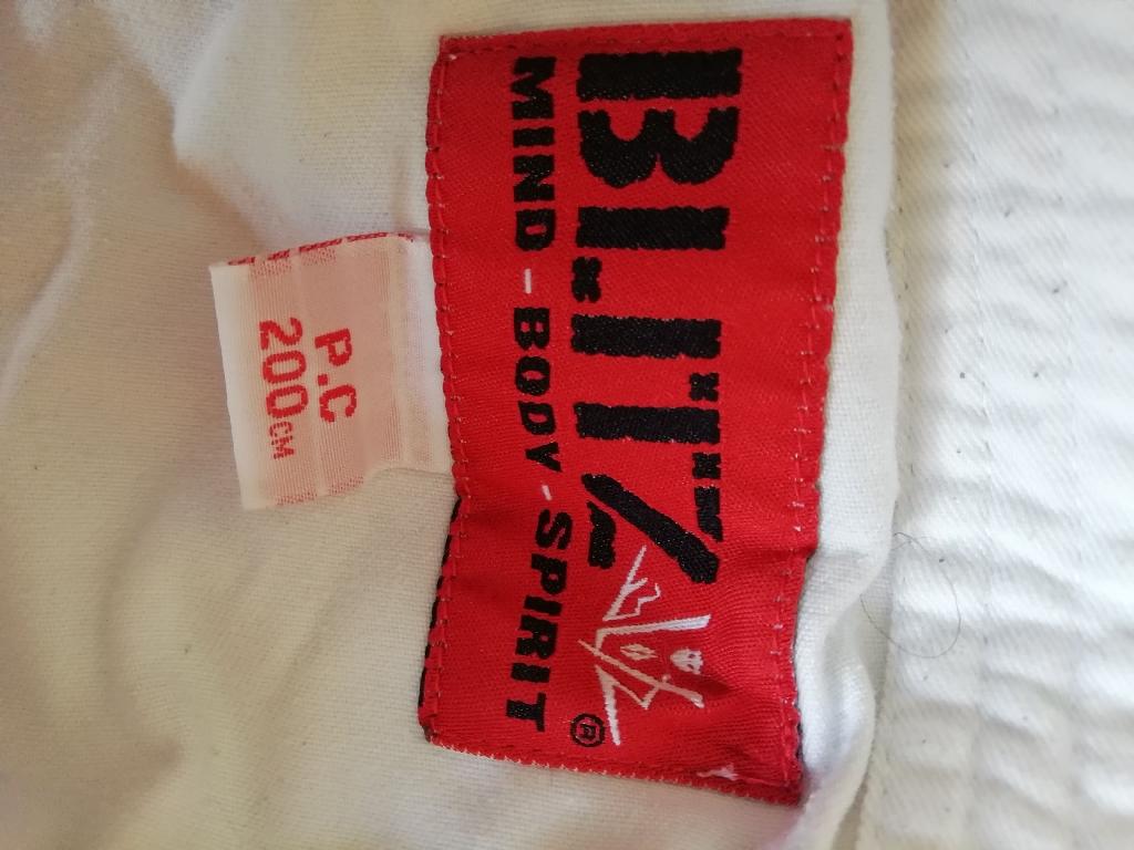 Karate set Suit 200cm adult Gloves Belts Shinpads Bag