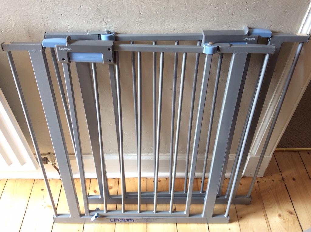 2 stair gates- lindam