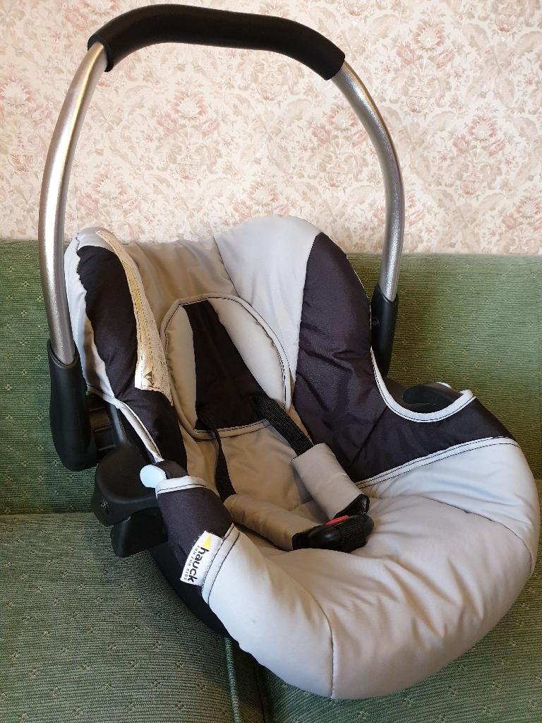 HAUCK baby car seat