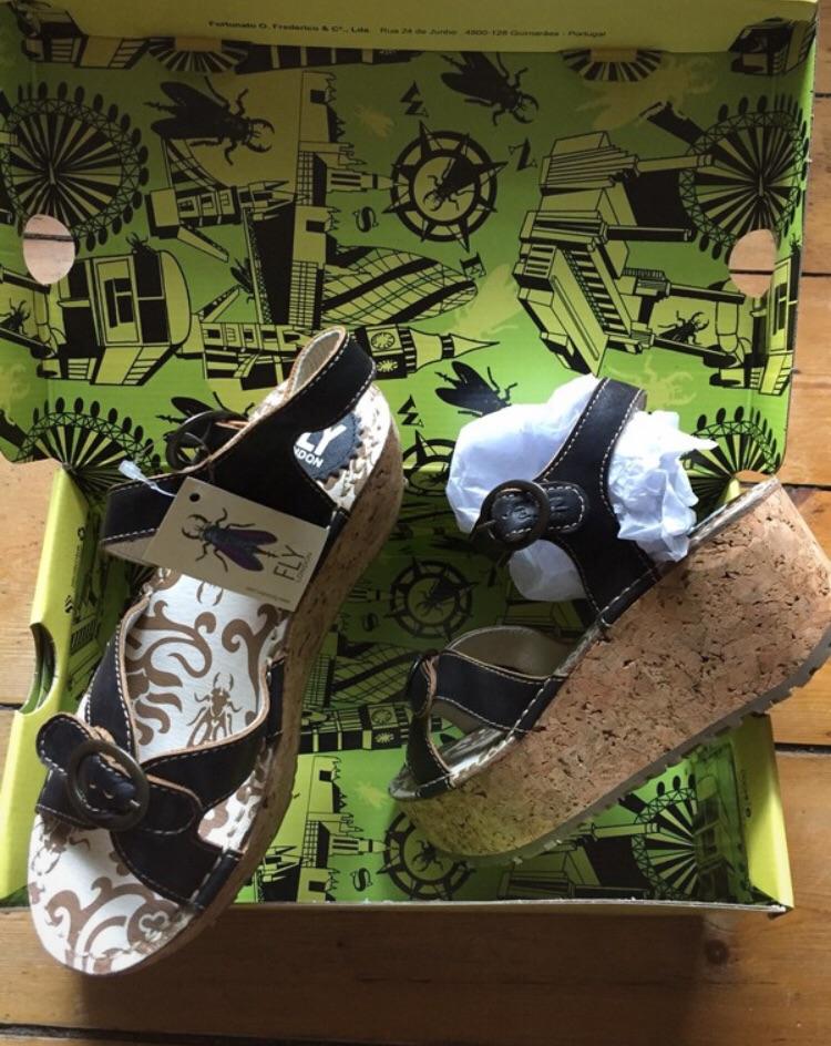 Sandals. Dark brown. Fly London