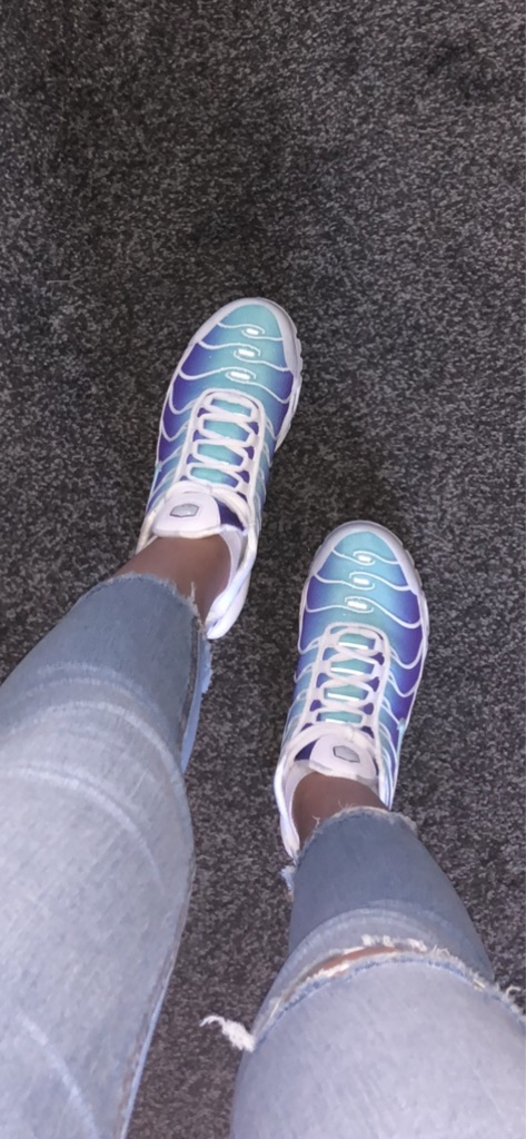 Women's Nike Tn Airs Size 4