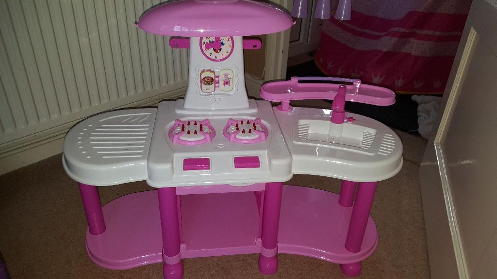 Toys kitchen