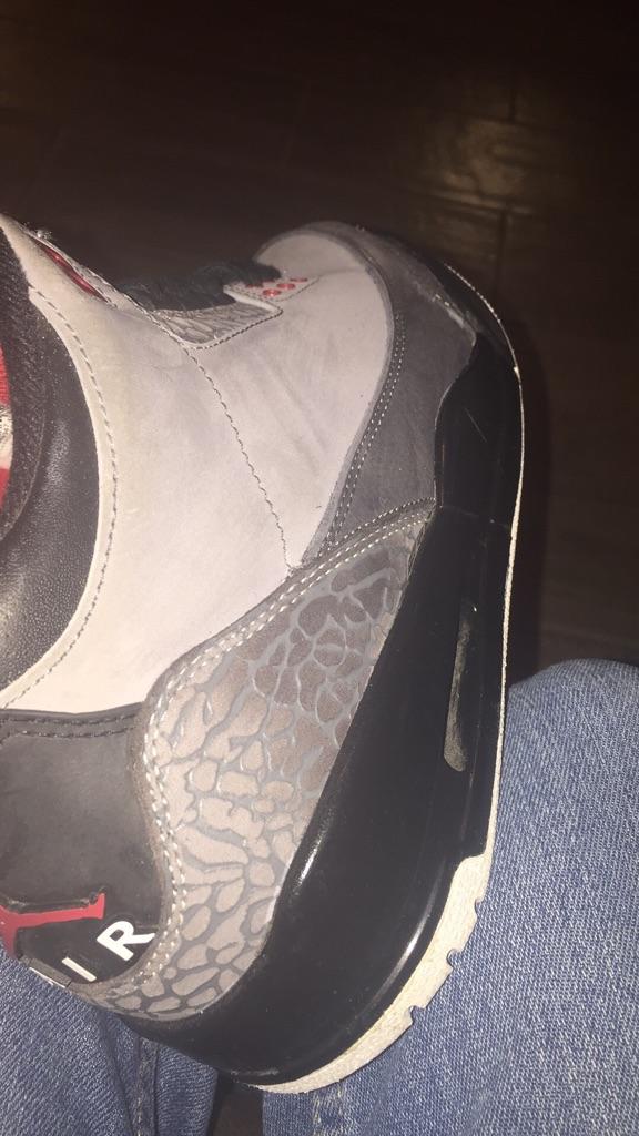 Air Jordan 3 stealth