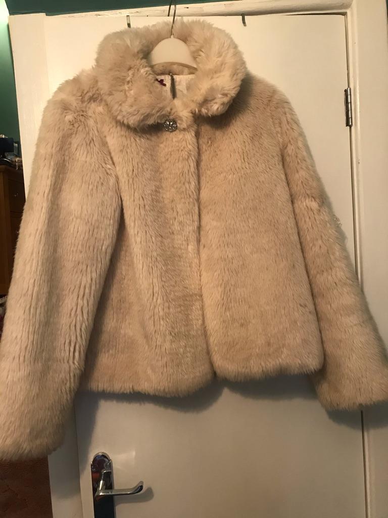 A beautiful Girls Faux Fur Coat Age 13-14