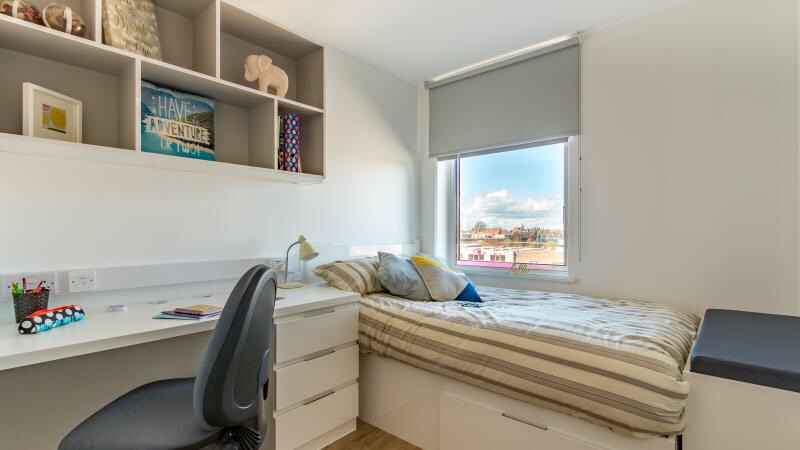 Student flat to rent till the end of July