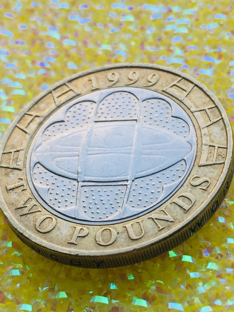 2 pound coin rugby World Cup 1999.