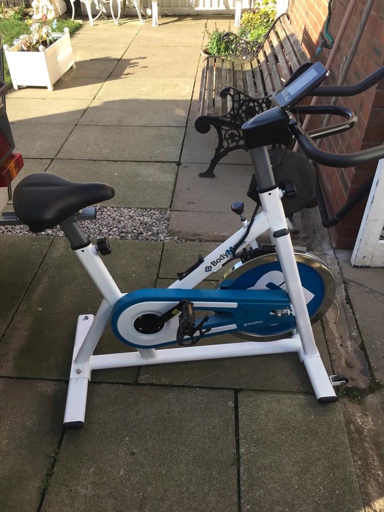 Bodymax Exercise White Spinning Bike