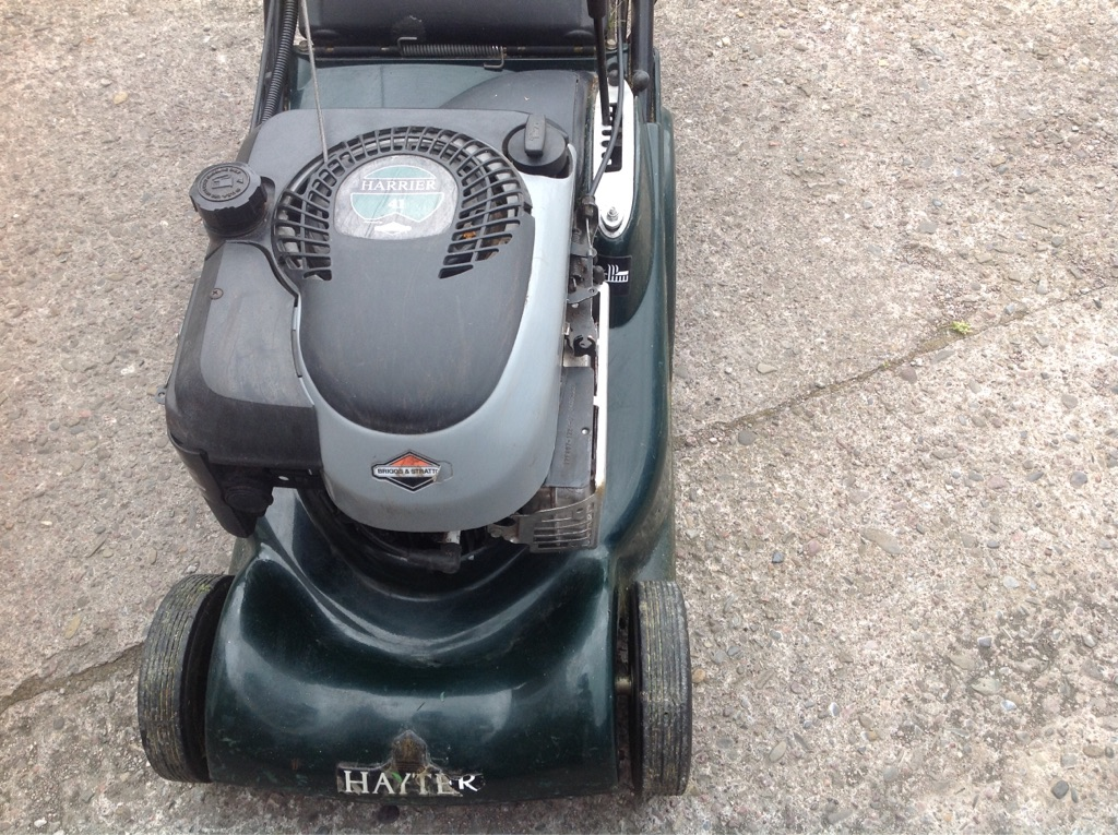 Hayter harrier 41 lawnmower