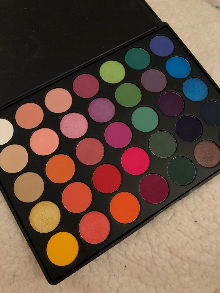 Morphe 35B palette 35 eyeshadow colour burst