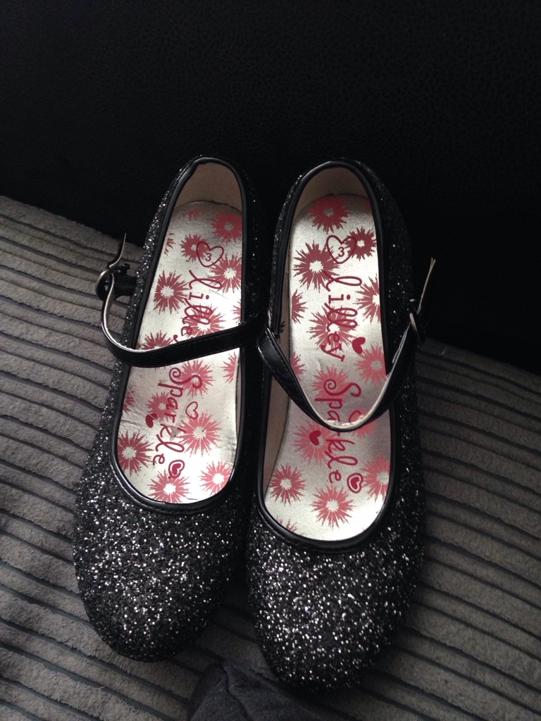 Girls heels size 3