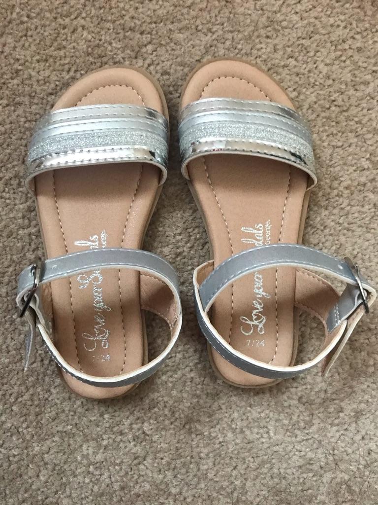 George Infant size 7 sandals -New | Village