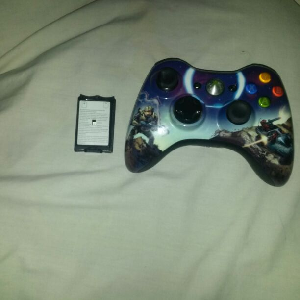 Xbox360 wireless remote with battery pack