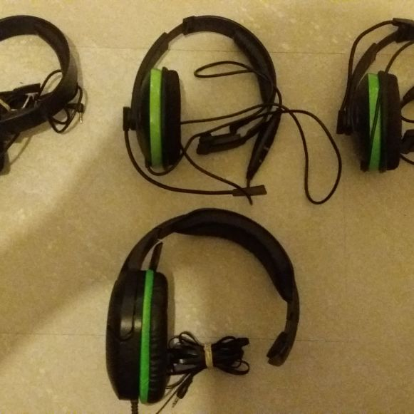 Headsets for sale