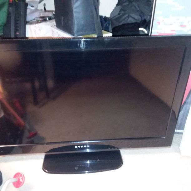 "40"" dynex flat screen"