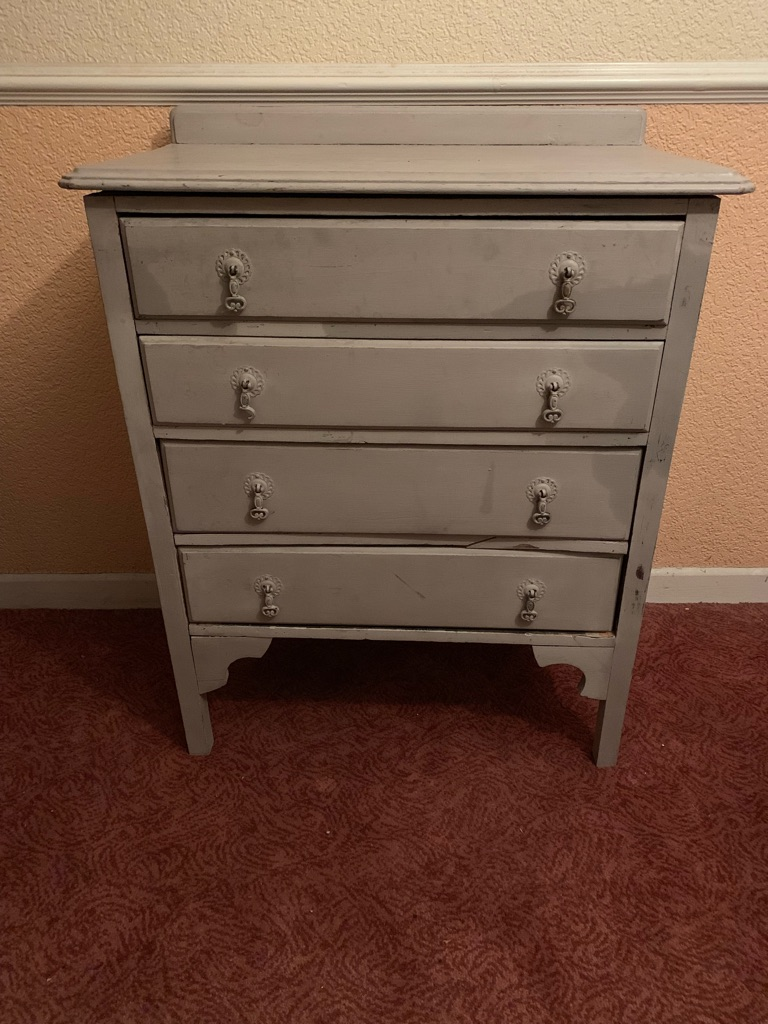 Upstyled chest of drawers