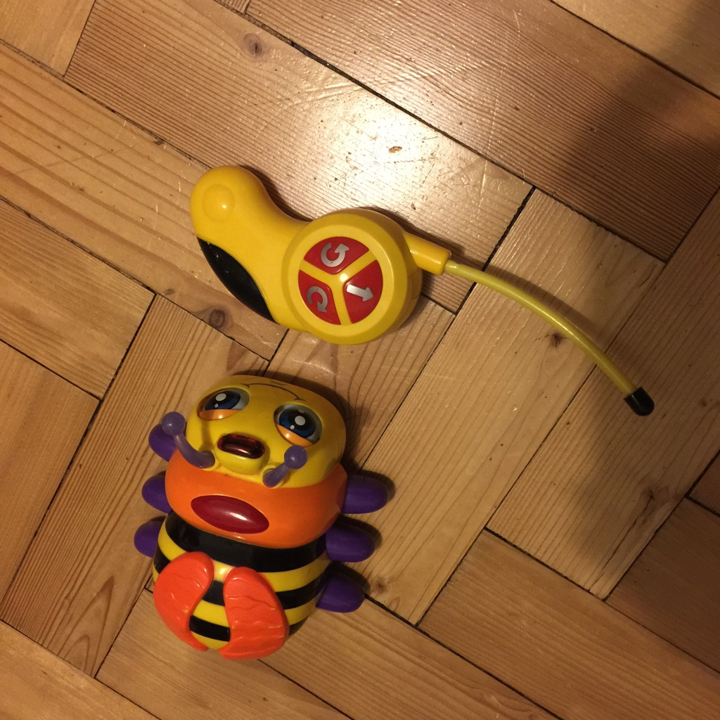 Remote control bumble bee
