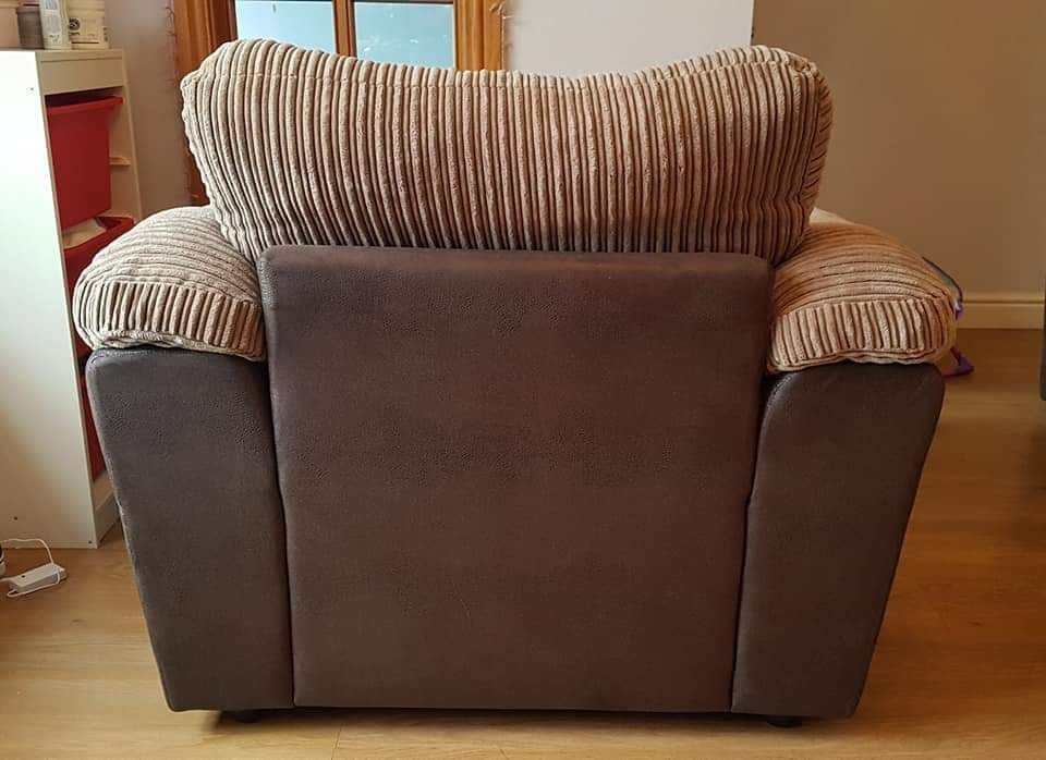 Immaculate arm chair for sale