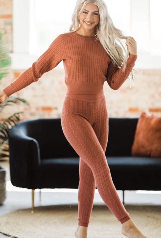 Cable knit set 20% off using my code below ⬇️
