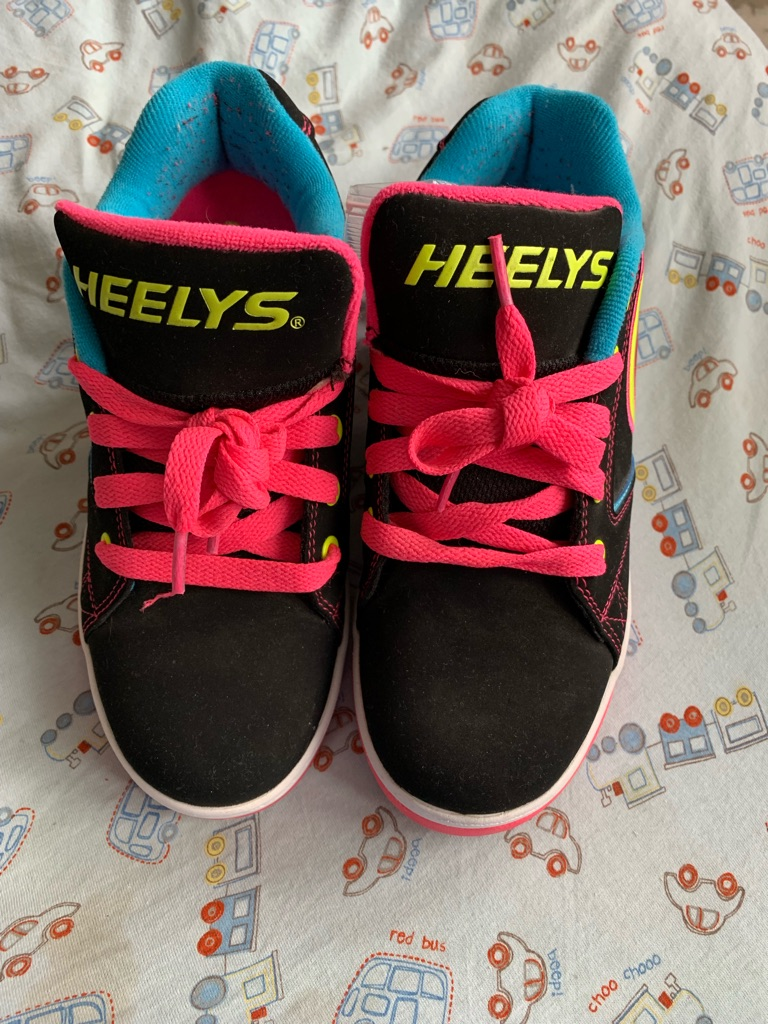 Girls Heelys 2.0 Propel model