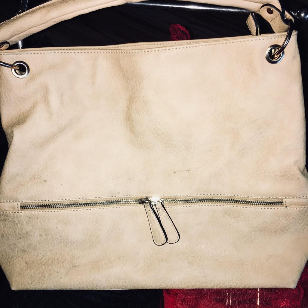 Cream leather purse