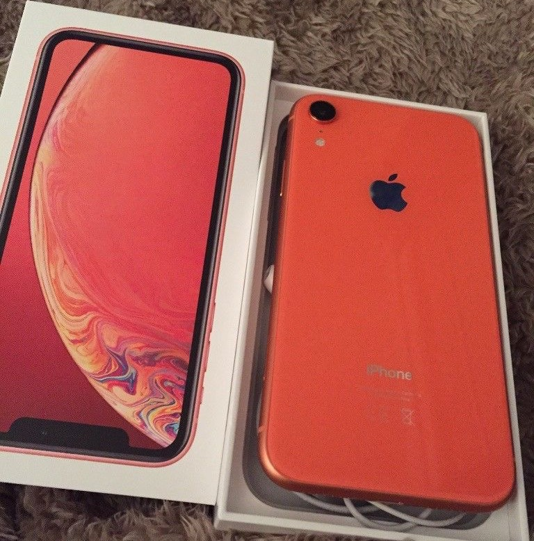 iPhone XR 64GB coral immaculate condition £500