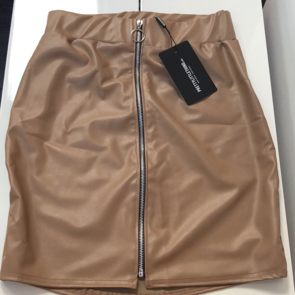 Pu zip front skirt stone