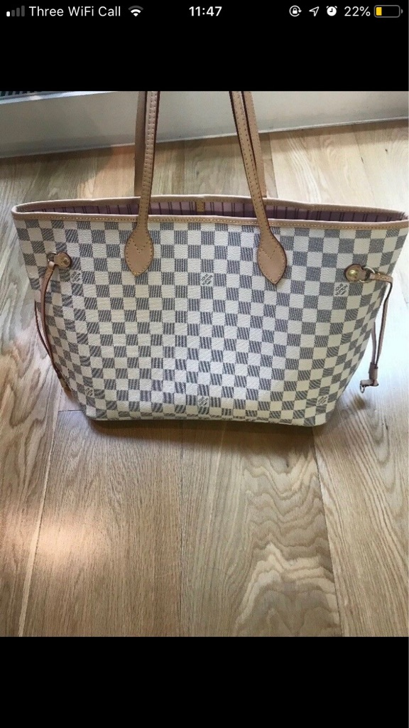 Louis Vuitton Neverfull women's bag Leather white handbag