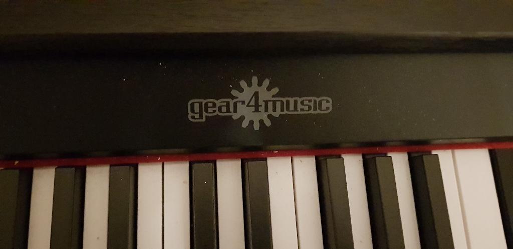 Digital/Electronic Keyboard Piano