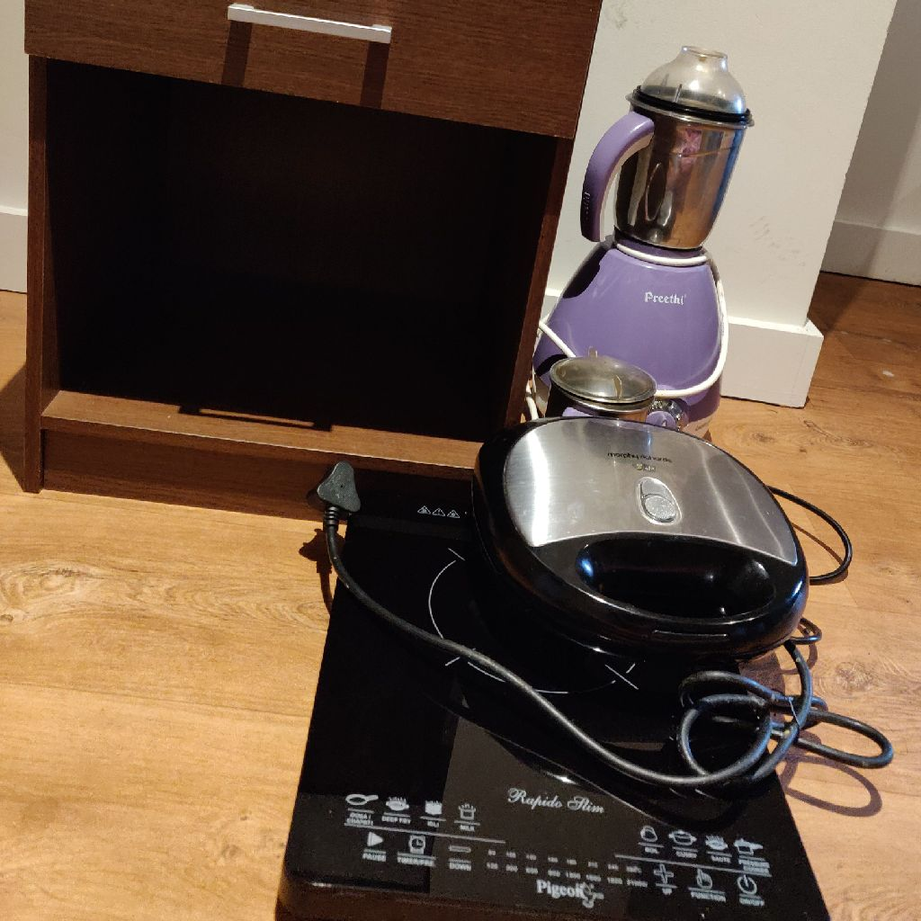 Side table mixie toaster induction stove