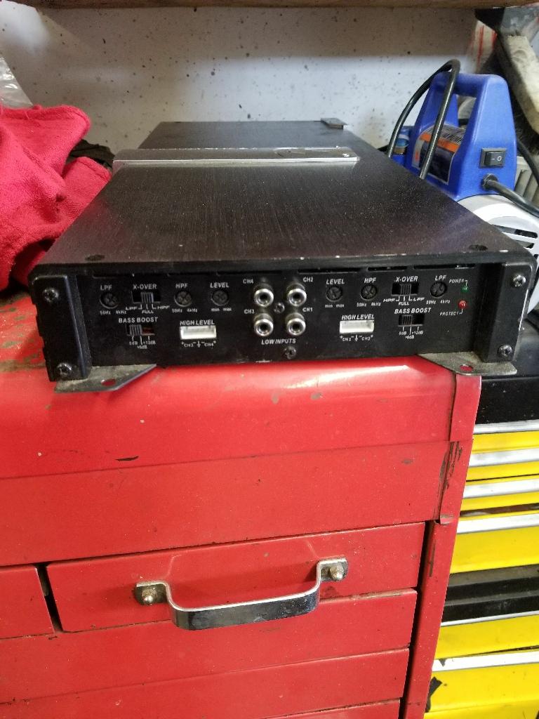 Amplifier soundstream