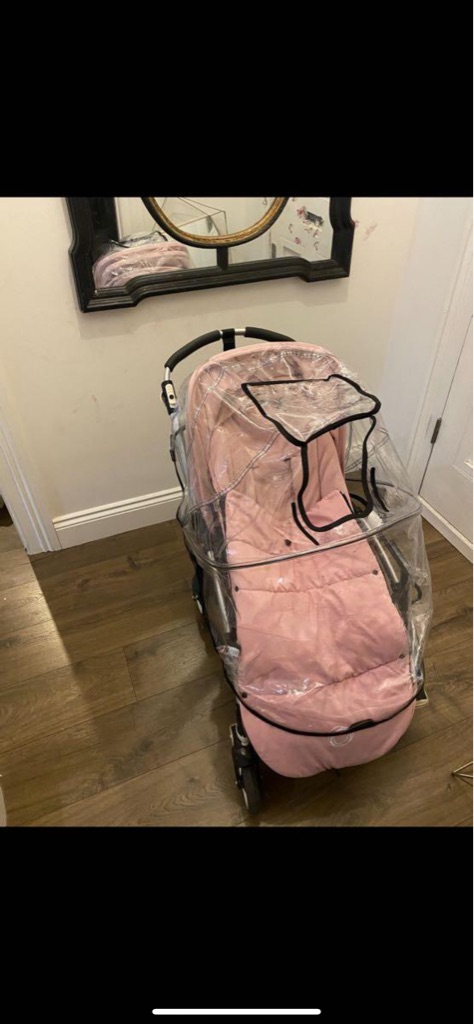 Like new Bugaboo bee 3 with waterproof cover, foot muff and umbrella
