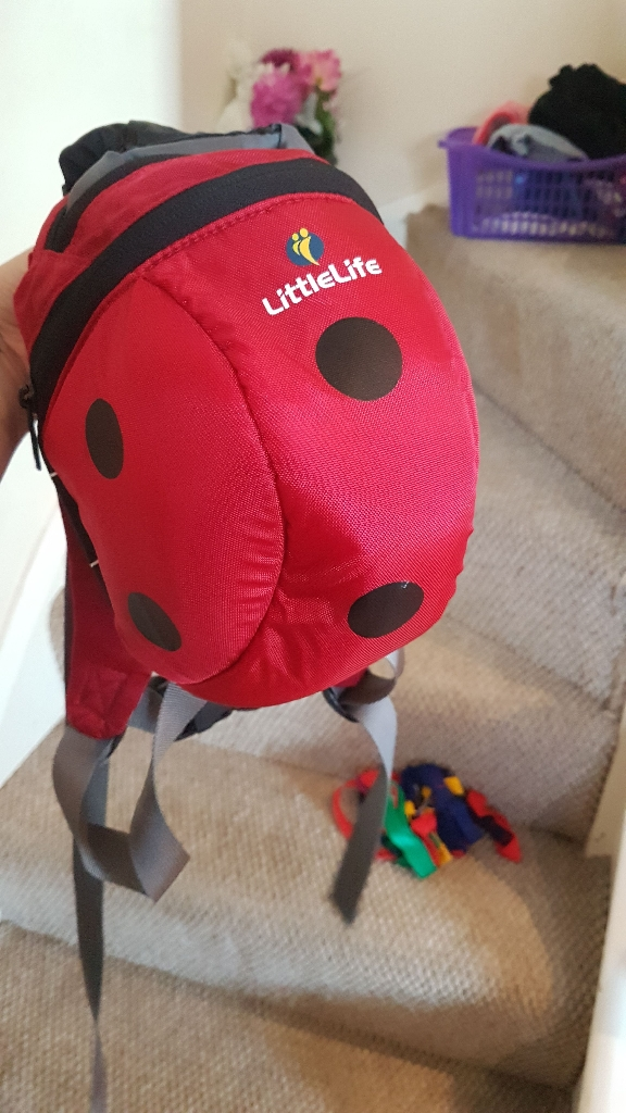 Littlelife back pack/reins