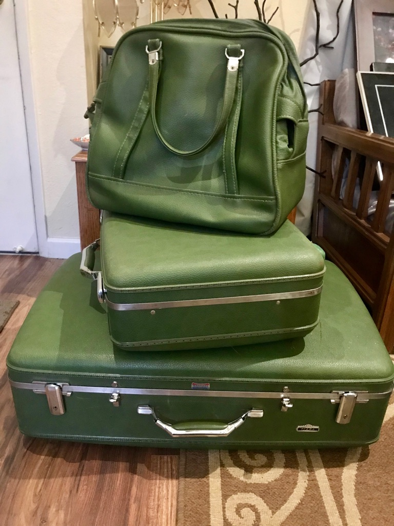 Vintage green Tiara Luggage 3 piece set