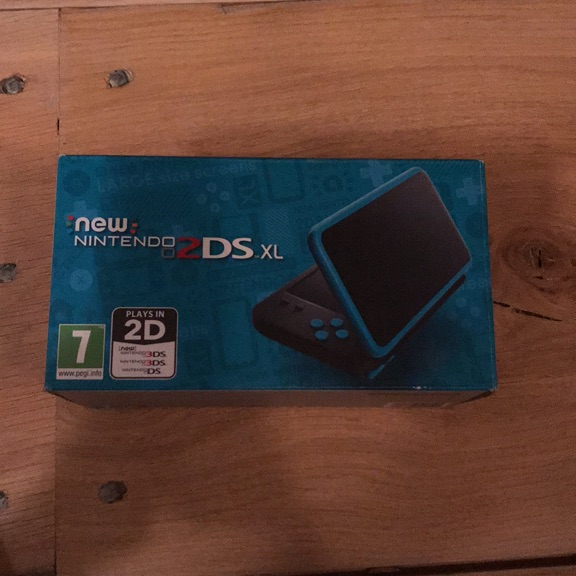 Nintendo 2DS XL (brand new)