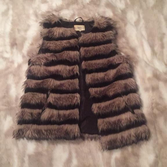 Size small ladies fur jacket
